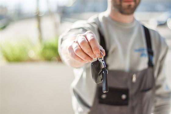 Qual é a melhor forma de financiar carros seminovos e usados?