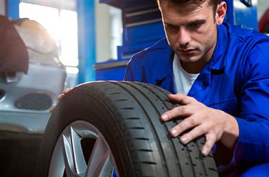 Quando devo trocar o pneu do carro?